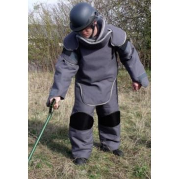 United Shield Mine Clearance Suit Save 30% Brand United Shield.